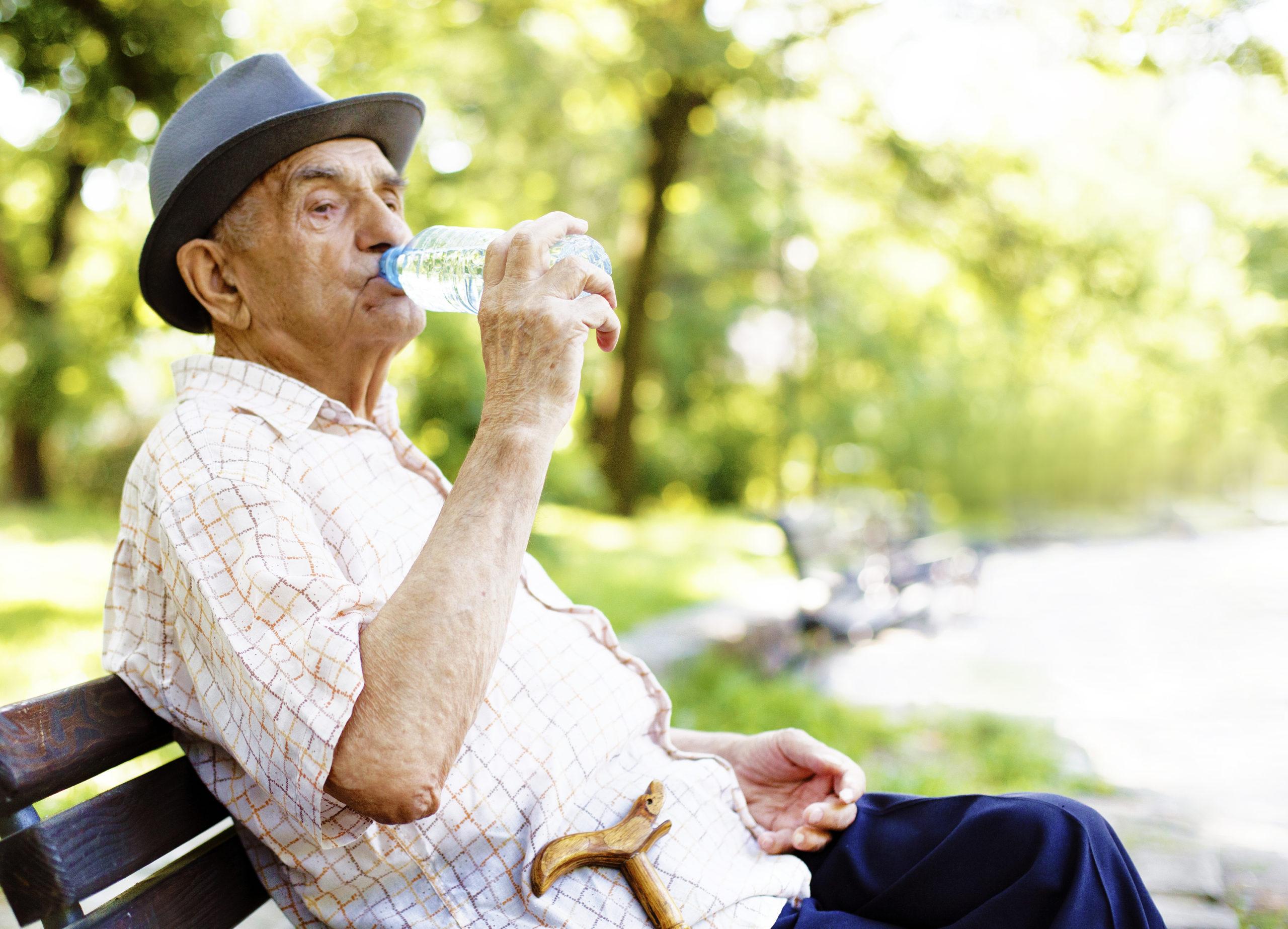 A importância da hidratação para os idosos